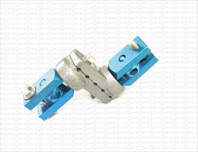 Abrazadera multiaxial Z para fijación de barra doble de 8mm