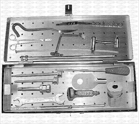 Juego de Instrumentos para Clavos para el Húmero (Canulado)